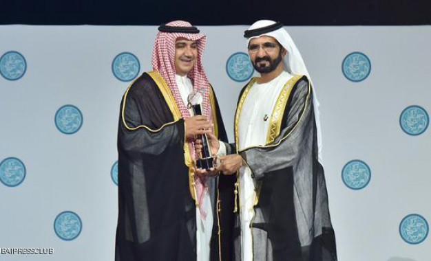 دبي تكرم الفائزين بجوائز الصحافة العربية